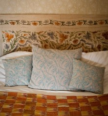 On the cushions design no.3 & no.7, vintage roller on the walls